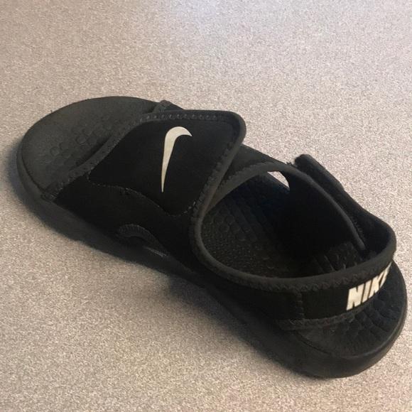 be939fcbf885e ... hot kids nike velcro sandal size 12 eb3ed b1e3f